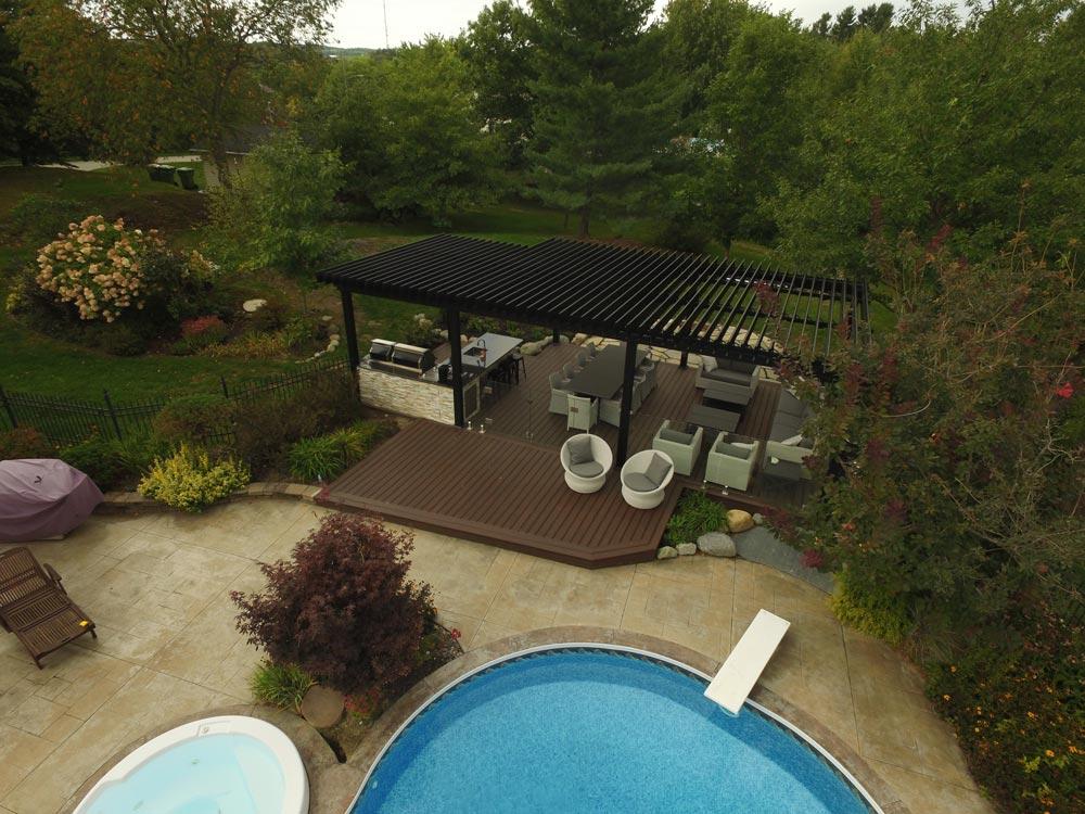sunlouvre-pergolas-patio-piscine-jardin