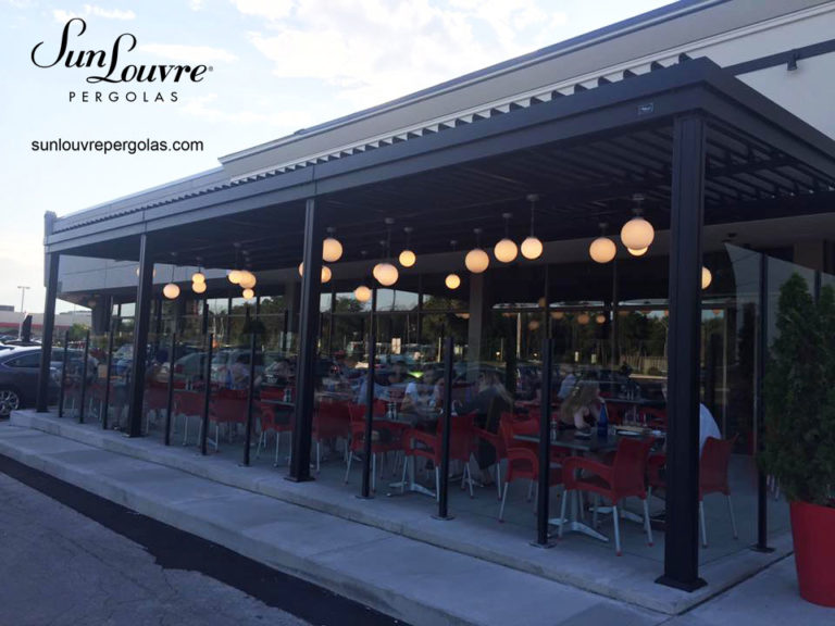 SunLouvre Pergolas restaurant Pacini noire
