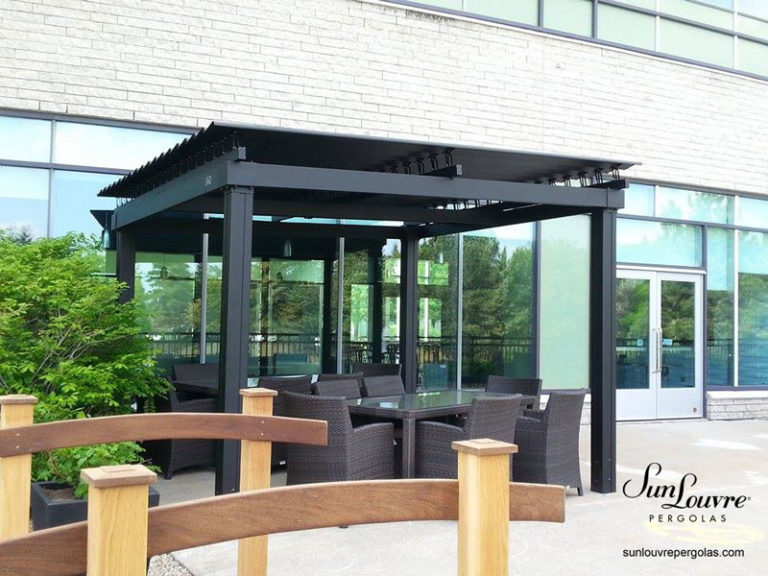 pergola-black-dining-area-015
