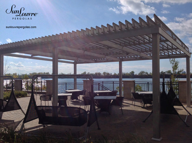 pergola-adjustable louvres-restaurant-terrace-022