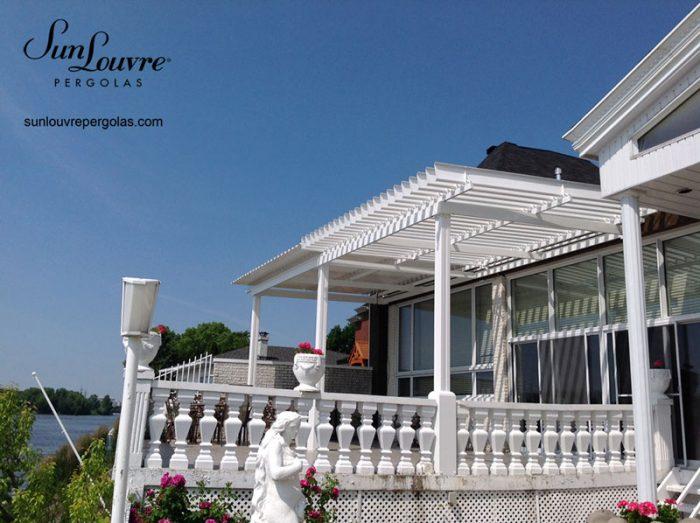 pergola blanche toit lames orientables-0625