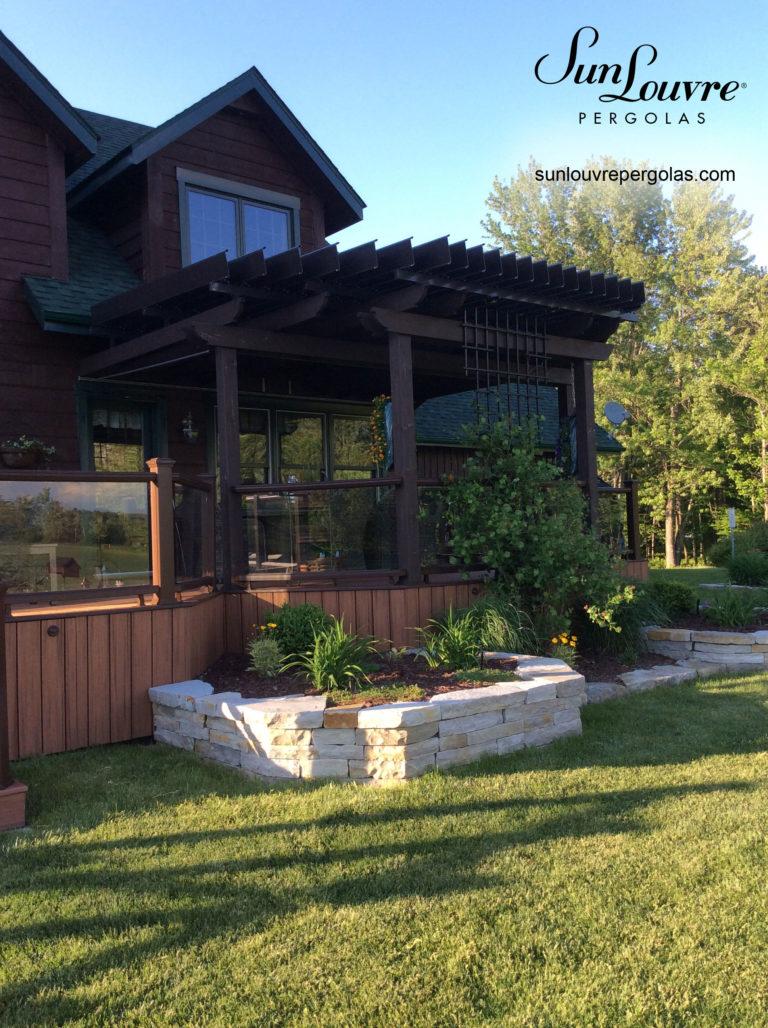 pergola-wood-columns-angle-roof-0420