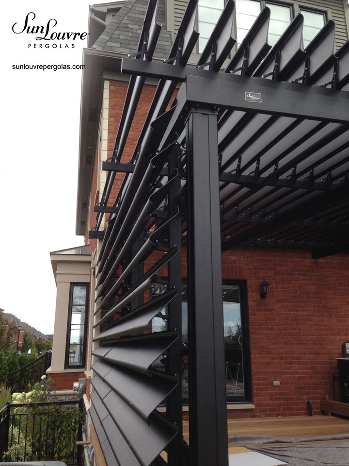 0305 verticale sunlouvre pergolas site officiel. Black Bedroom Furniture Sets. Home Design Ideas