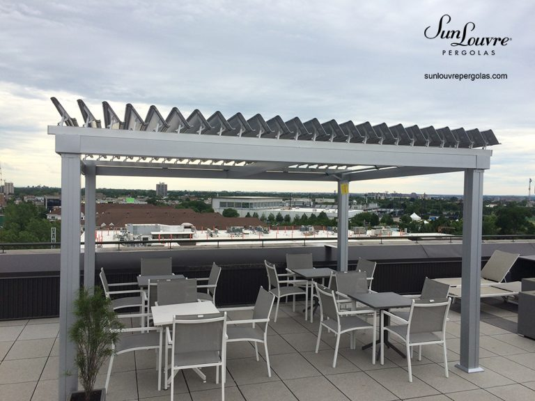 SunLouvre Pergolas, commercial project, free-standing pergola on a roof-top building, 100% aluminum - image 033