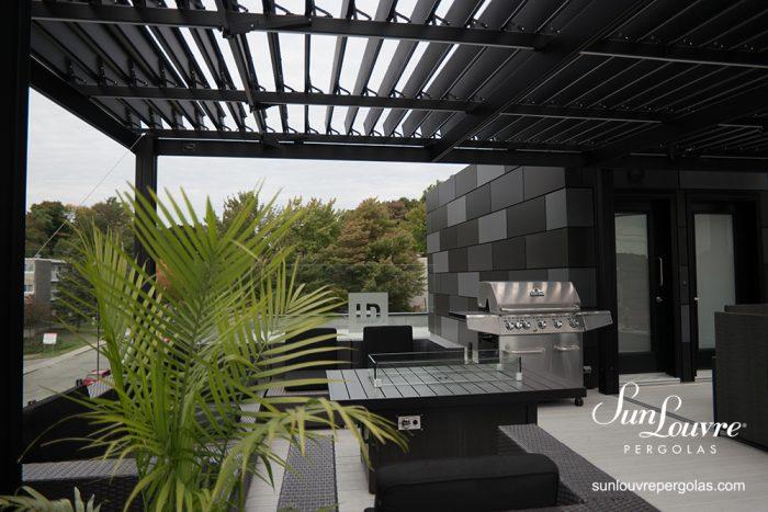 SunLouvre Pergolas commerciale à lames orientables, pergola bioclimatique, 100 % aluminium, pergola sur toit terrasse édifice Lafleur-Davey à Sherbrooke - image 0711