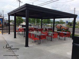 SunLouvre Pergolas commerciale, terrasse de restaurant, 100% aluminium, lames orientables, bioclimatique - image 094