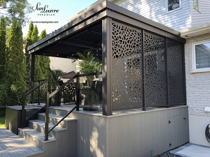 outdoor privacy wall, aluminum privacy wall, alumiwall by sunlouvre