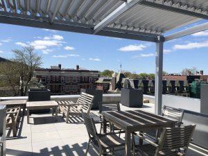 Pergola en aluminium, SunLouvre Pergolas sur toit-terrasse - image 0297