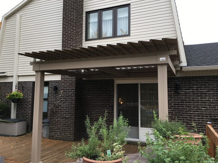 sunlouvre-pergolas-sand color-roof closed-2022