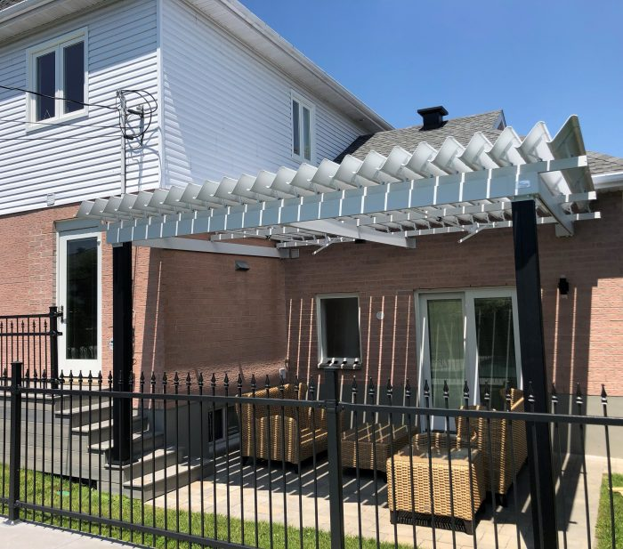 sunlouvre-pergolas-white-roof-aluminum-image2012
